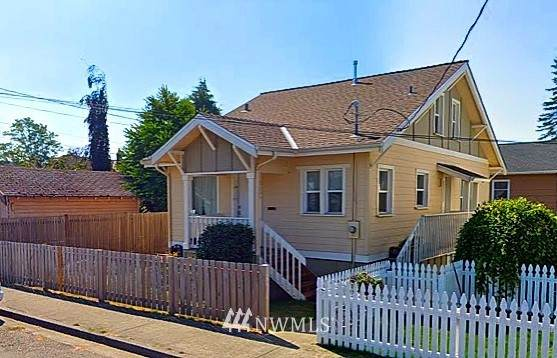 2106 Fulton Street, Everett, WA 98201 (MLS #1730414) :: Brantley Christianson Real Estate