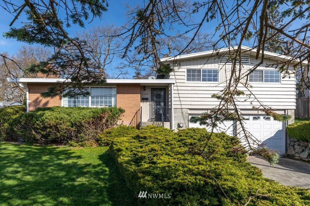 1680 9th Ave - Photo 1