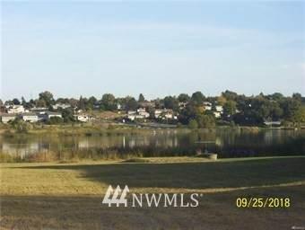 1527 Lakeside Drive - Photo 1