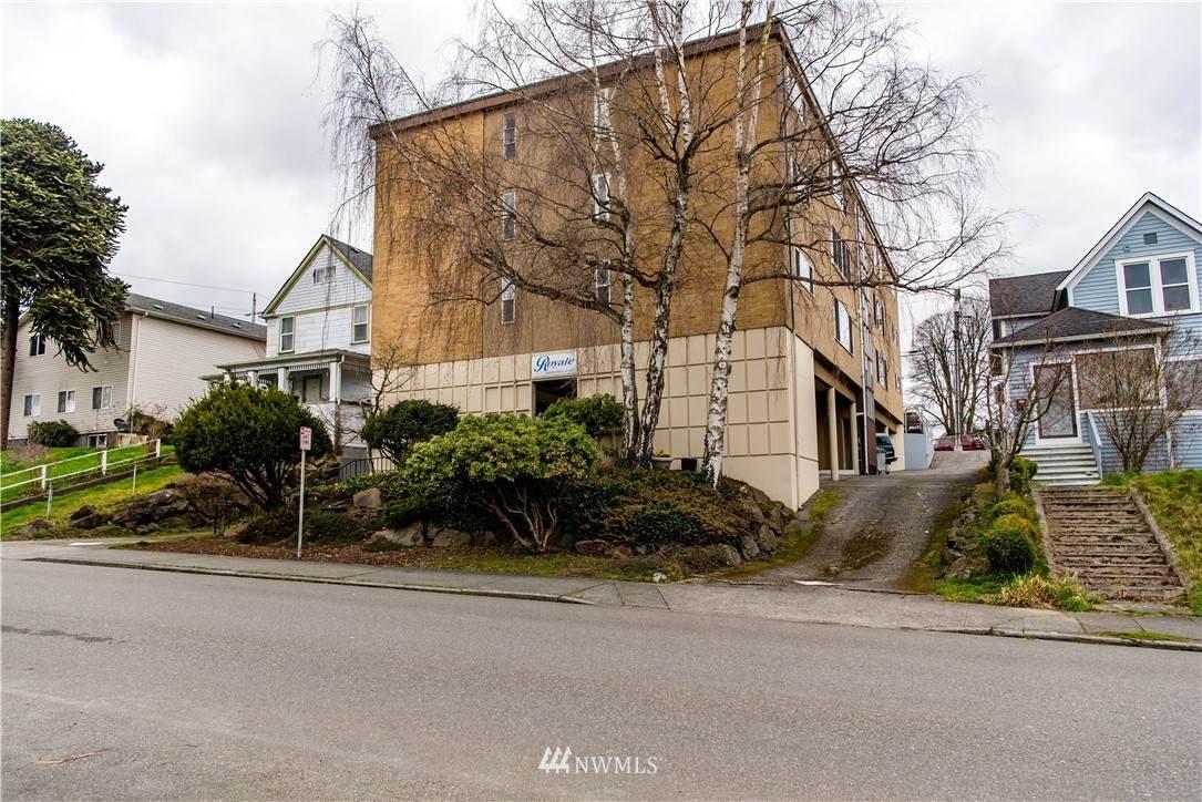 3209 Hoyt Avenue - Photo 1