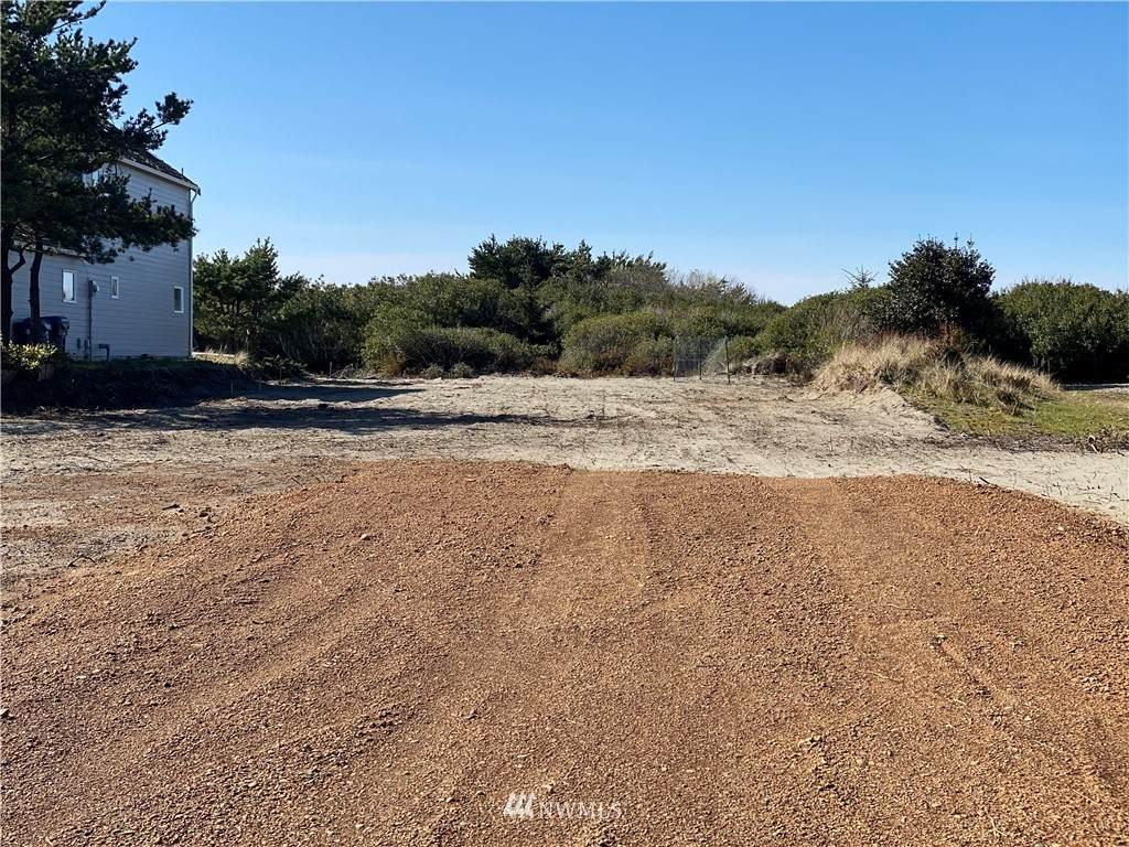 473 Sand Dune Avenue - Photo 1