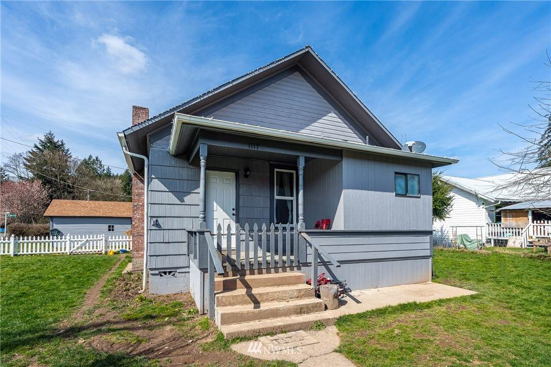 1117 Front Street - Photo 1
