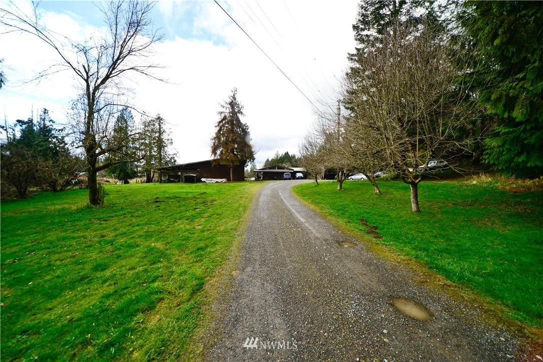 165 Hurd Road - Photo 1