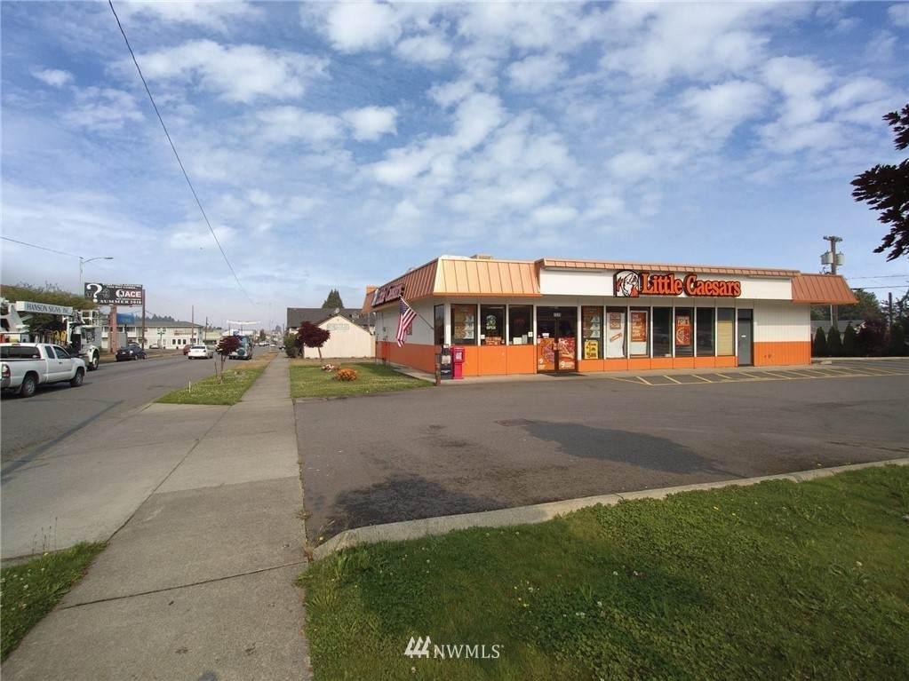 1315 Front Street - Photo 1