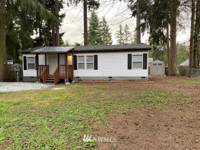 17407 SE 155th Avenue, Yelm, WA 98597 (MLS #1747585) :: Brantley Christianson Real Estate