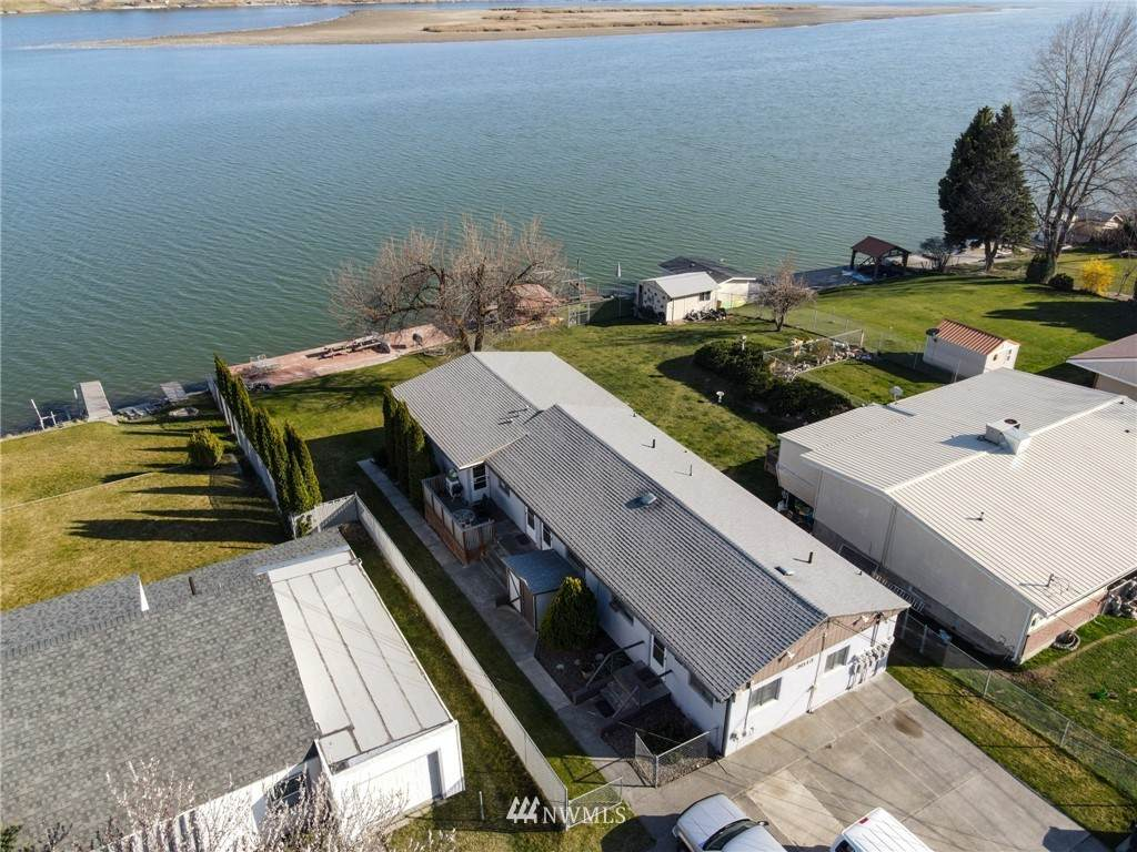 3013 Lakeside Drive - Photo 1