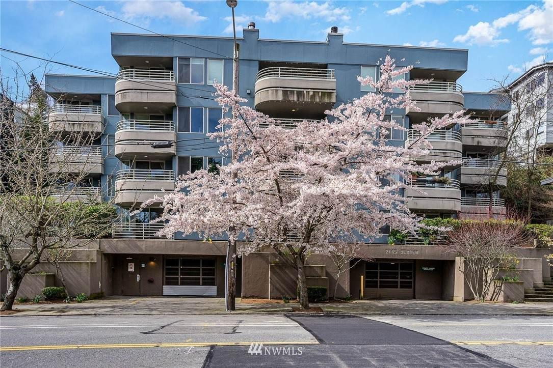 2145 Dexter Avenue - Photo 1