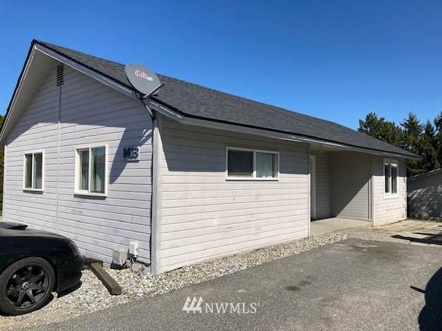 1416 College Court, Wenatchee, WA 98801 (#1753799) :: Ben Kinney Real Estate Team