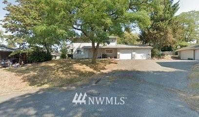 6105 Pebble Place, Everett, WA 98203 (#1755272) :: Ben Kinney Real Estate Team