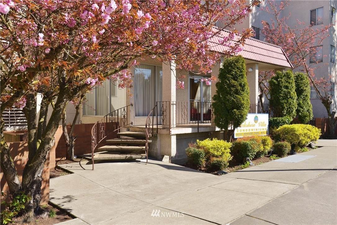 9030 Seward Park Avenue - Photo 1