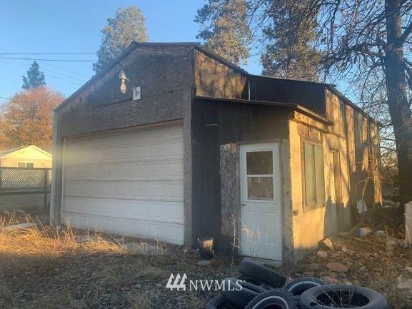 24925 E Trent Avenue, Newman Lake, WA 99025 (#1758934) :: The Kendra Todd Group at Keller Williams