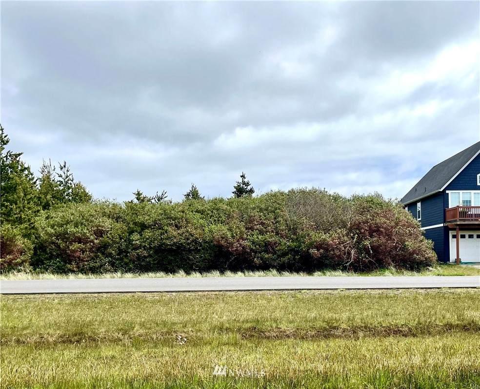 612 Ocean Shores Boulevard - Photo 1
