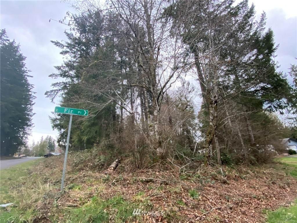 41 Lynwood Drive - Photo 1