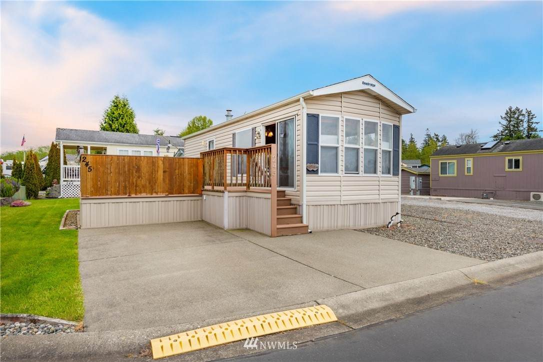 4751 Birch Bay Lynden Road - Photo 1