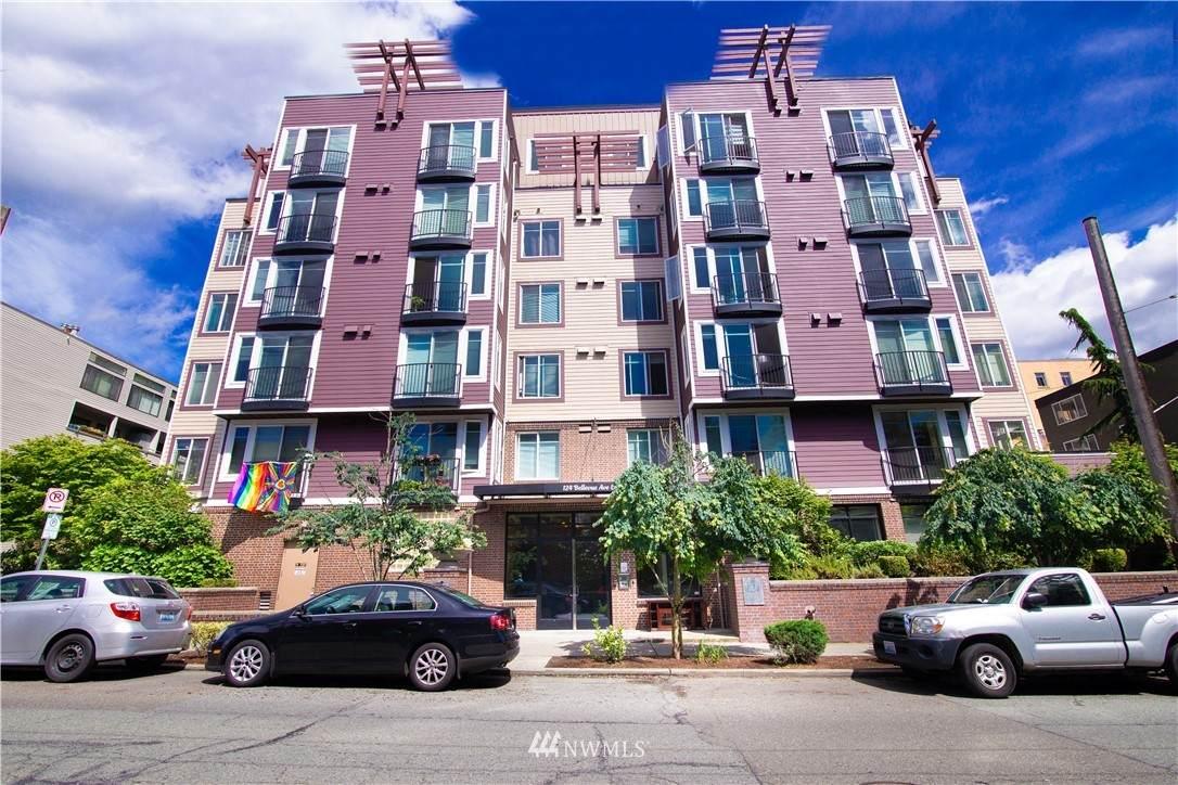 124 Bellevue Avenue - Photo 1