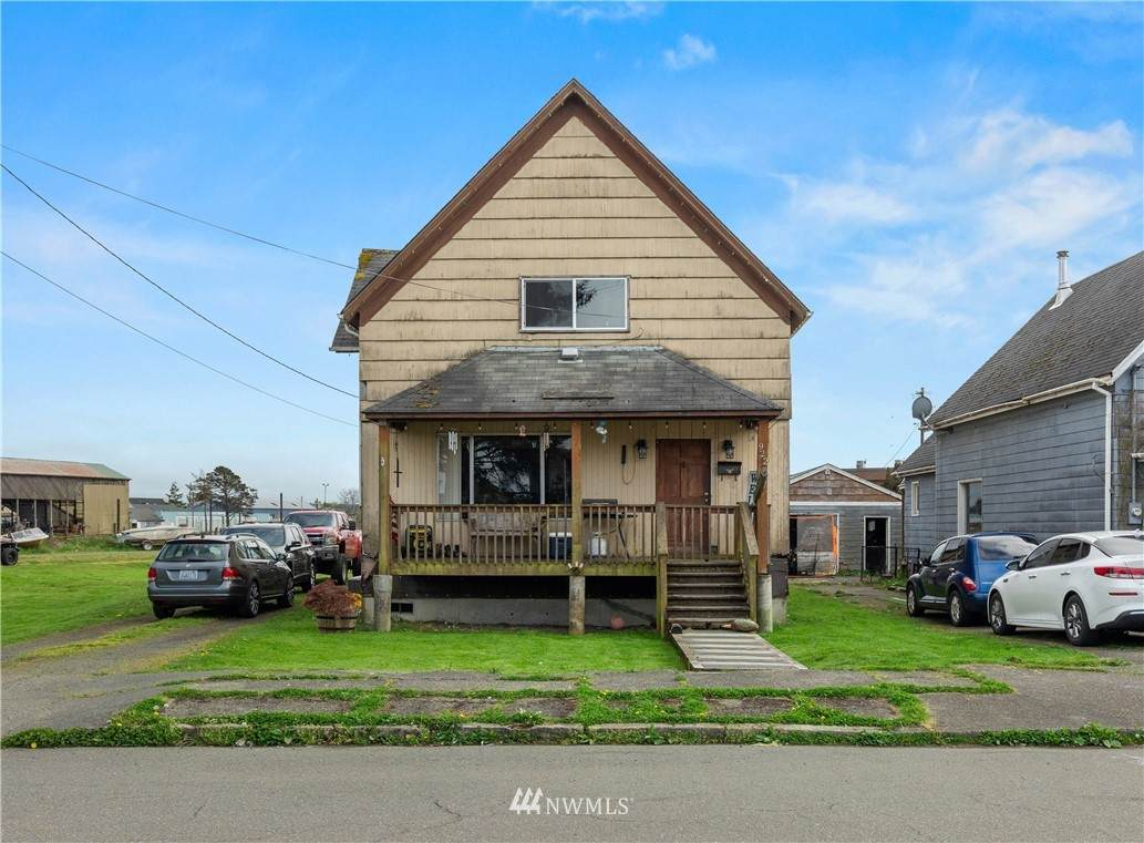 922 Eklund Avenue - Photo 1