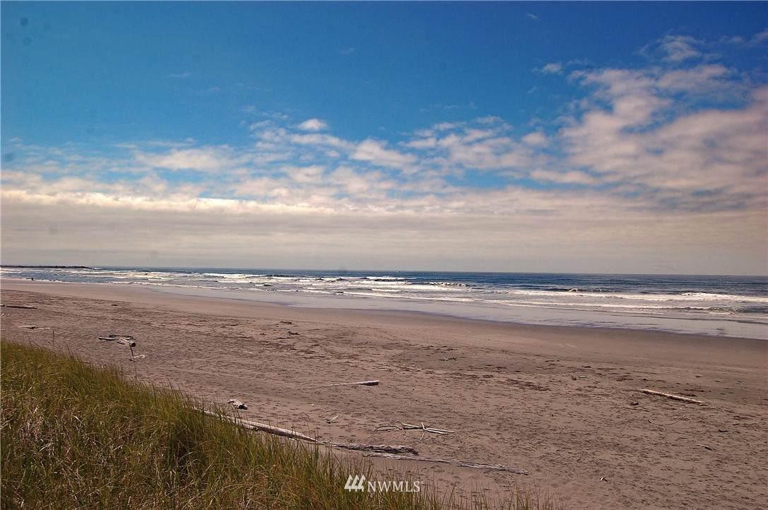 949 Sand Dune Avenue - Photo 1