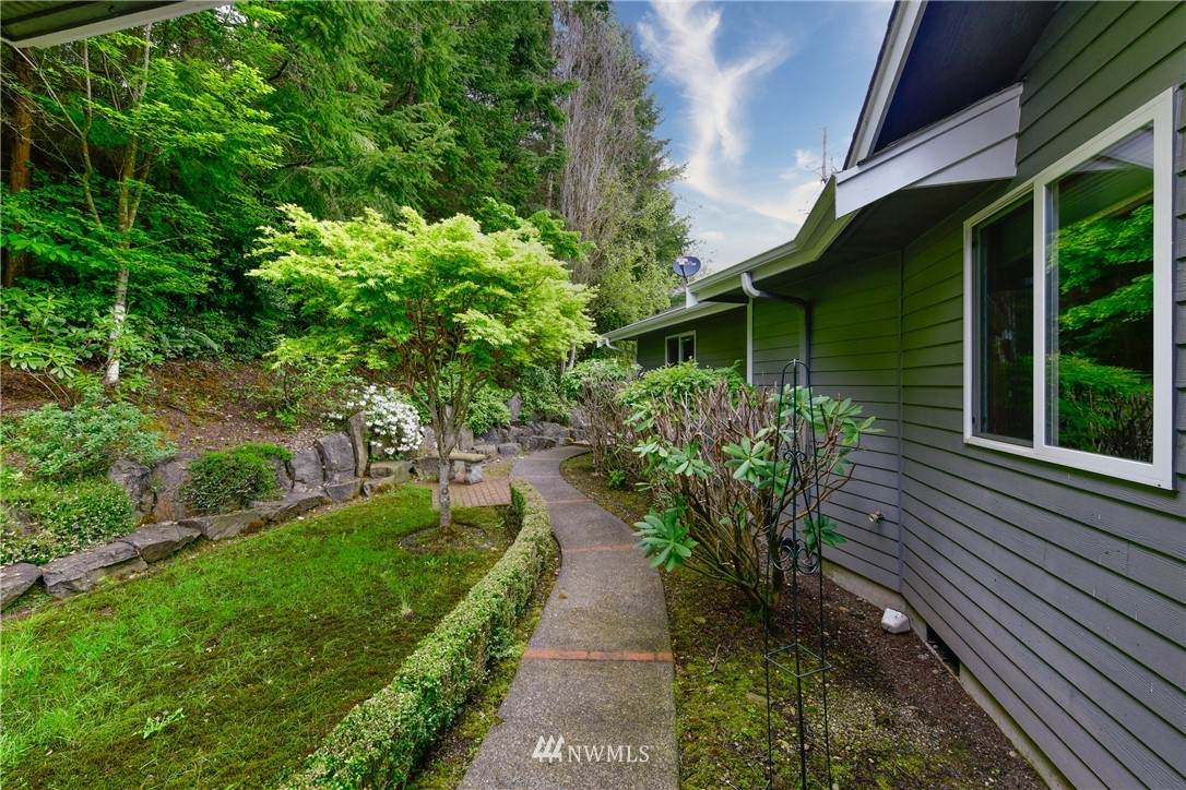 5056 Hubbard Hill Road - Photo 1