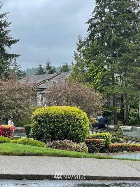 10430 NE 32nd Place C202, Bellevue, WA 98004 (MLS #1770076) :: Brantley Christianson Real Estate