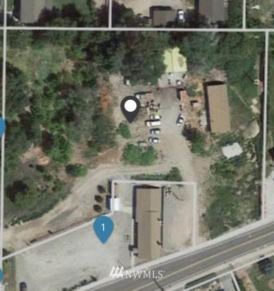 221 NE 11th Street, East Wenatchee, WA 98802 (#1774107) :: Northwest Home Team Realty, LLC