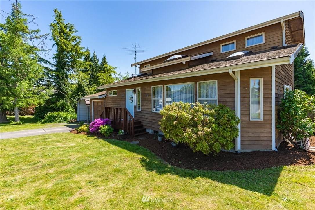 2365 Pine Drive - Photo 1