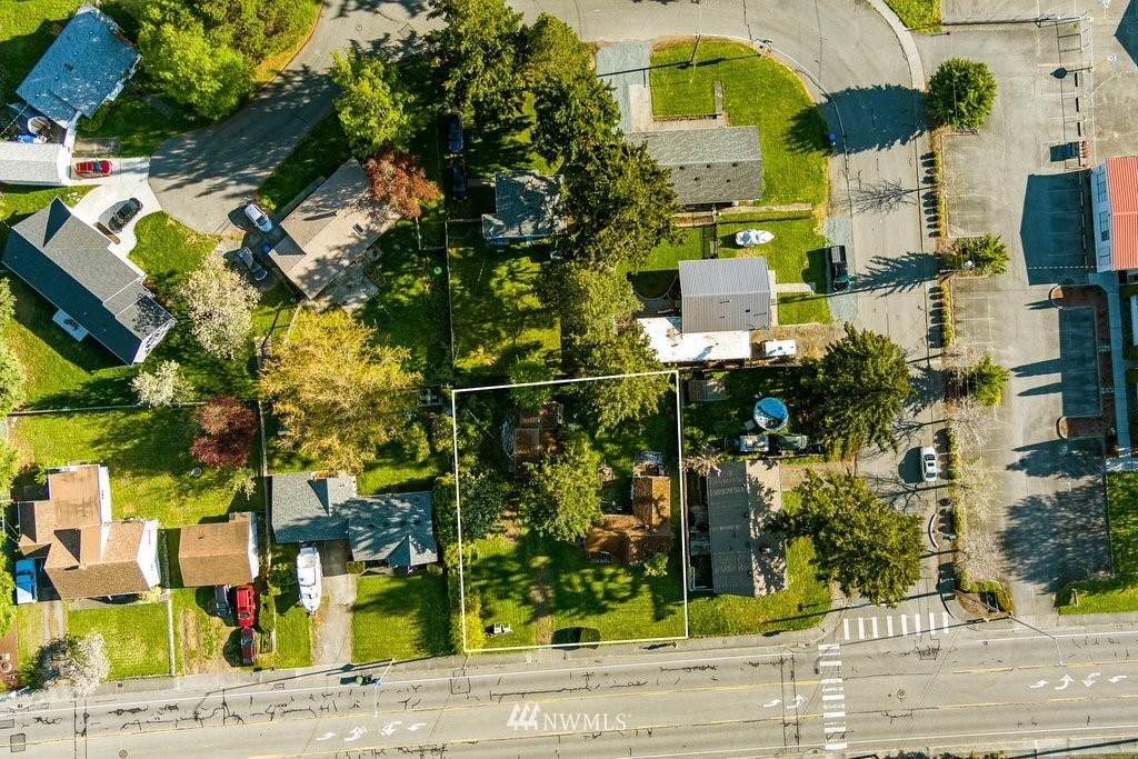 747 Whidbey Avenue - Photo 1
