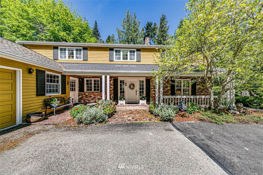 124 Frost Road - Photo 1