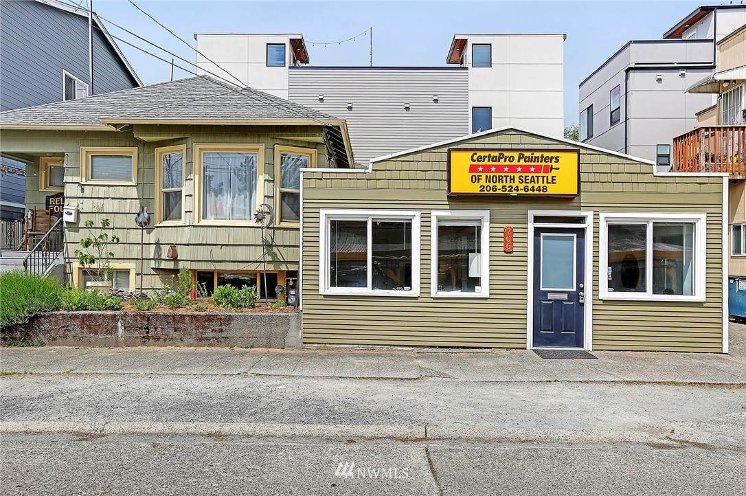 706 70th Street - Photo 1