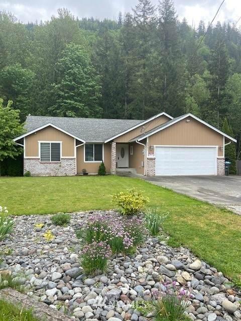 2921 Green Valley Drive, Maple Falls, WA 98266 (#1777621) :: Beach & Blvd Real Estate Group
