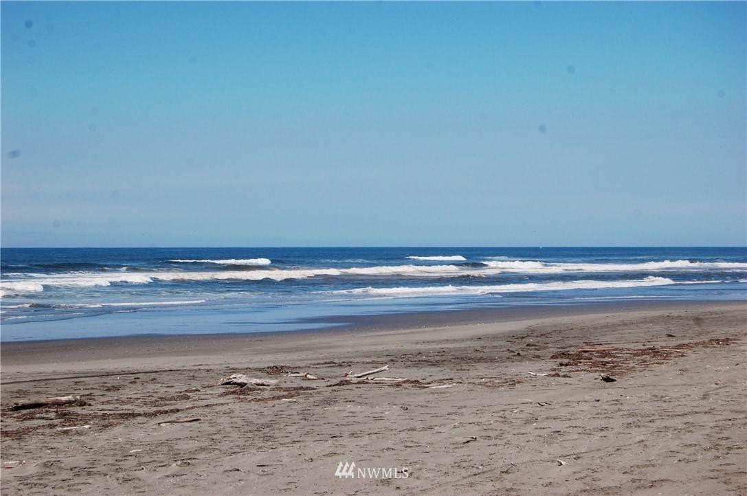 995 Sand Dune Avenue - Photo 1