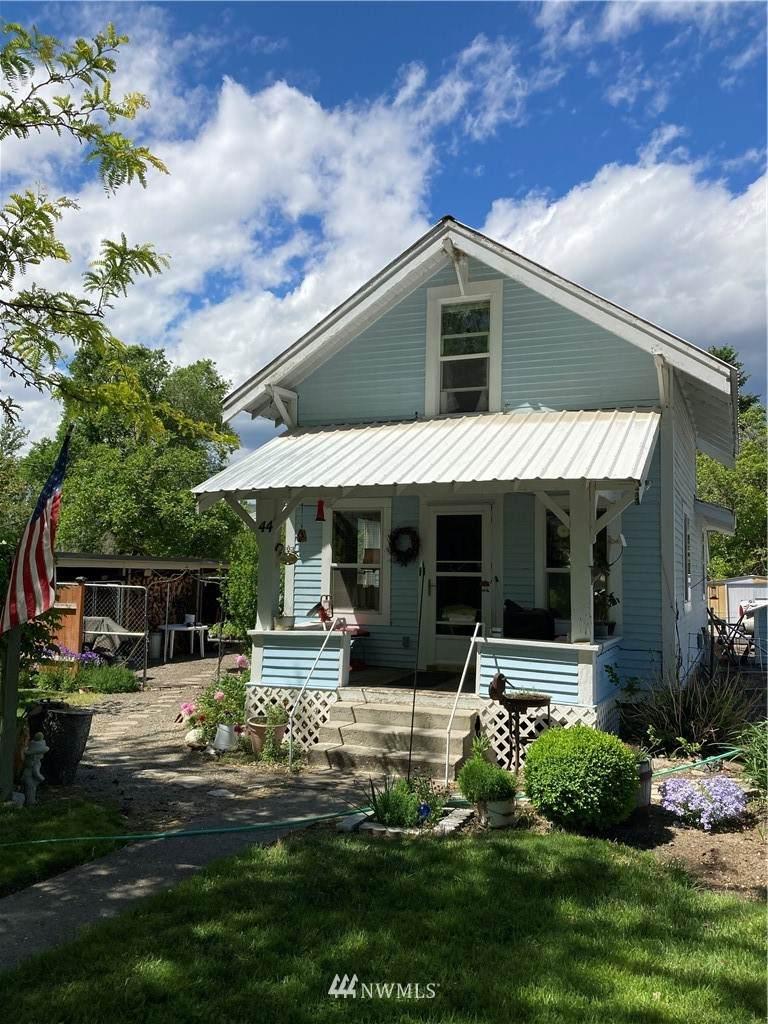 44 Okanogan Street - Photo 1