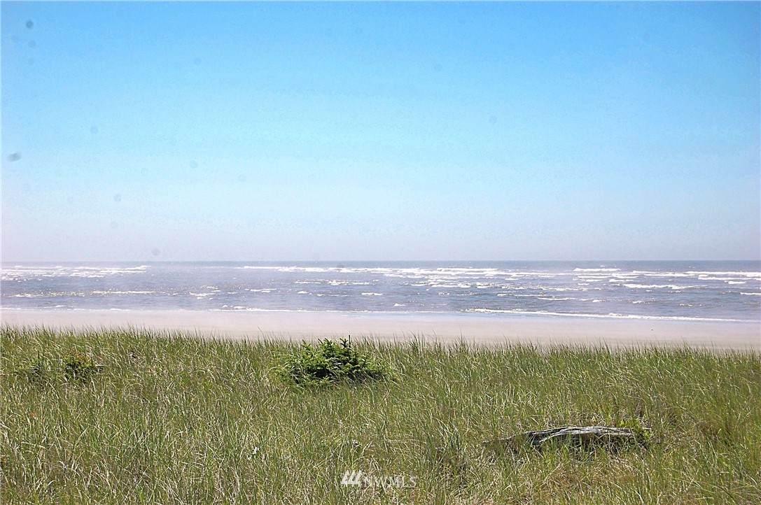 891 Sand Dune Avenue - Photo 1