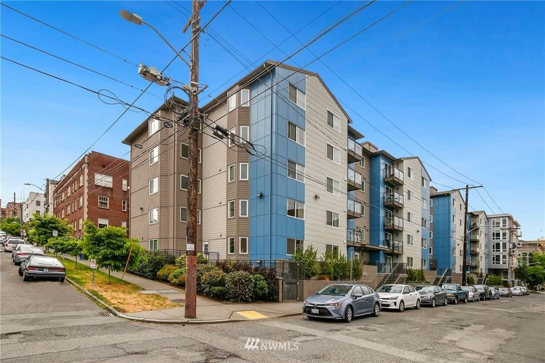 1616 Summit Avenue - Photo 1