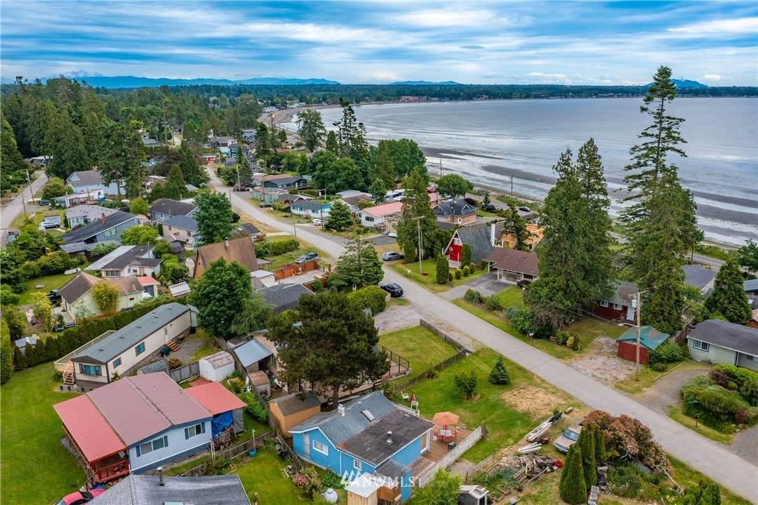 5170 Seaview Drive - Photo 1