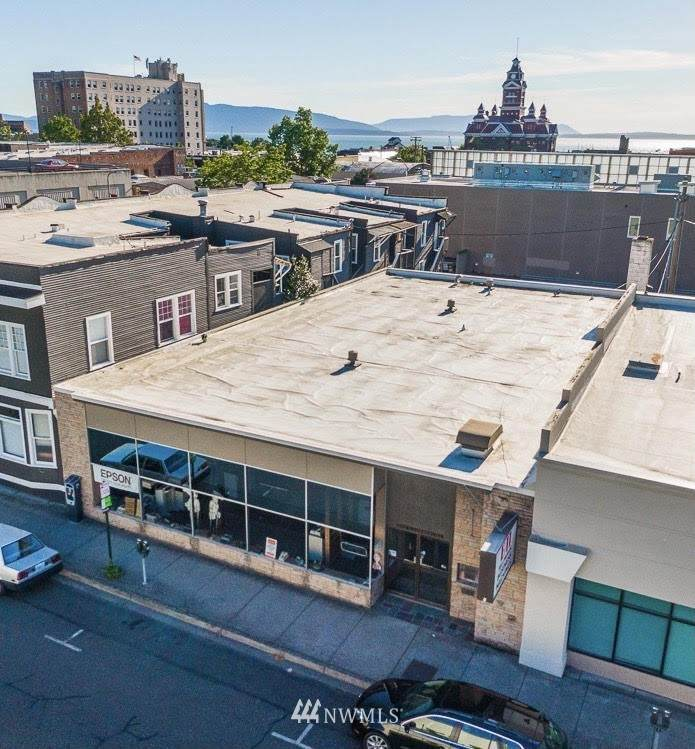 205 Commercial Street - Photo 1