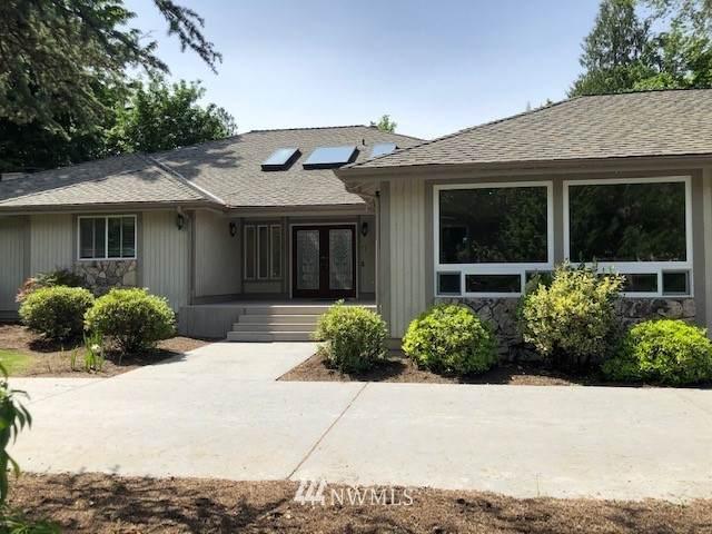 13911 205th Avenue NE, Woodinville, WA 98077 (#1787060) :: Beach & Blvd Real Estate Group