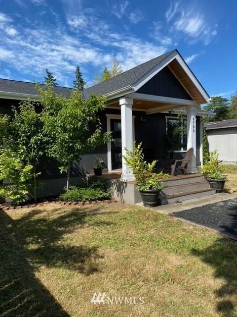 6700 NE Geneva Street, Suquamish, WA 98392 (#1789292) :: Alchemy Real Estate