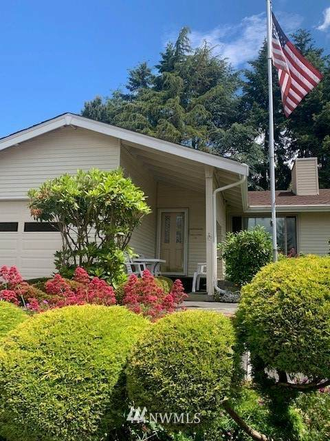 1224 S 244th Place, Des Moines, WA 98198 (#1790534) :: The Kendra Todd Group at Keller Williams