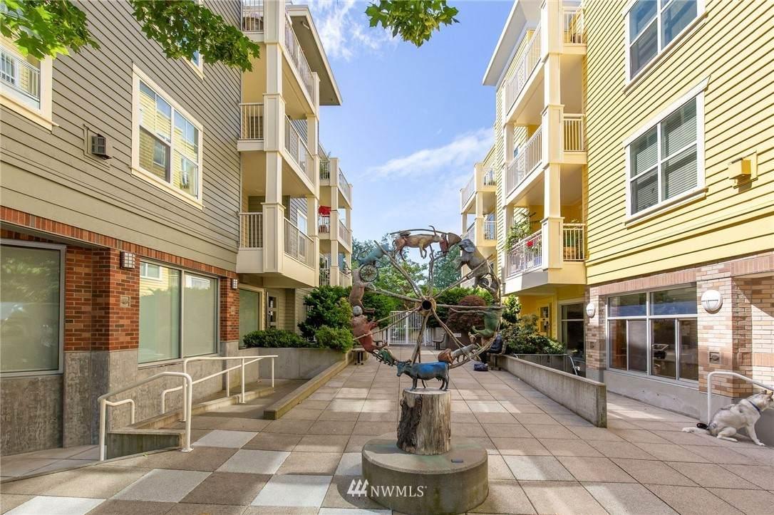 2901 Blakeley Street - Photo 1