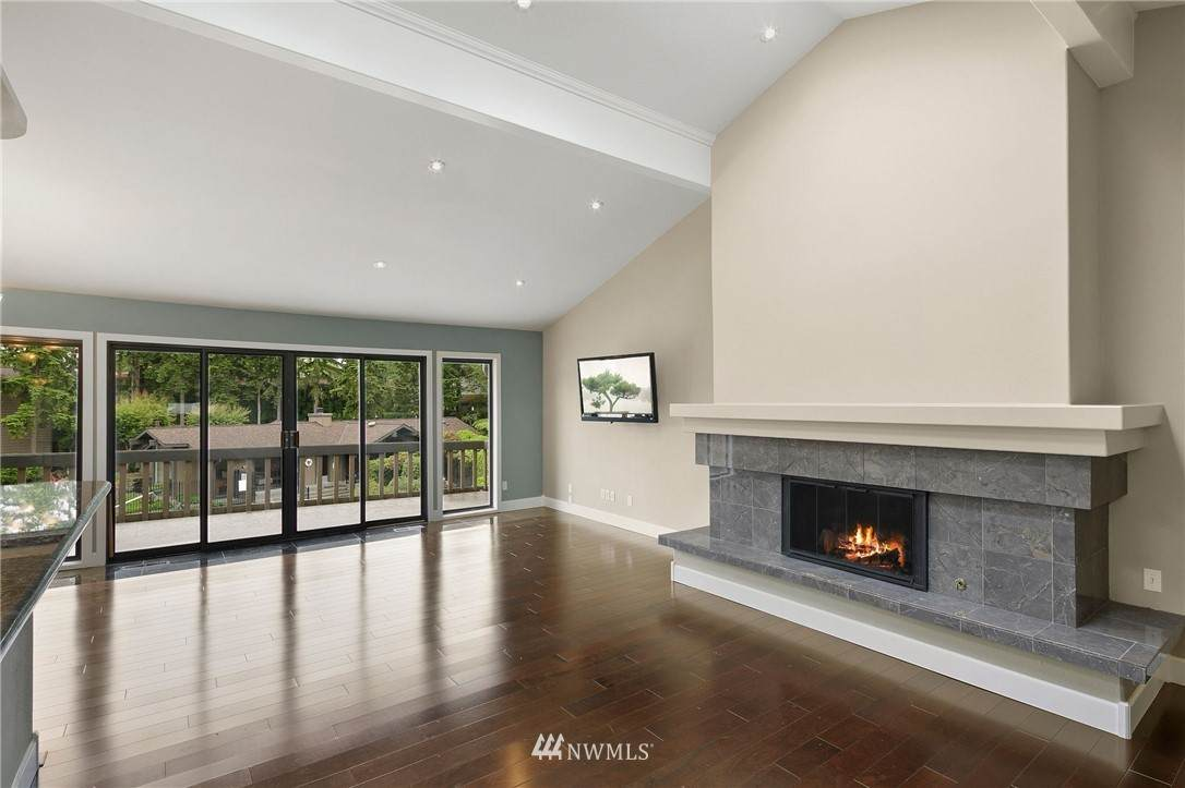 17484 40th Place - Photo 1