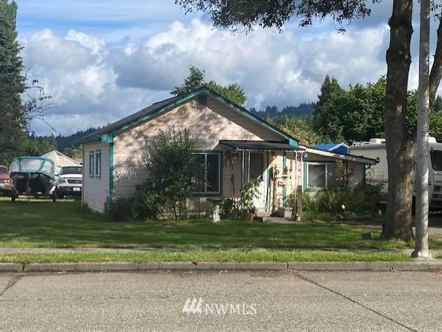 2819 30th Avenue, Longview, WA 98632 (#1792253) :: Lucas Pinto Real Estate Group