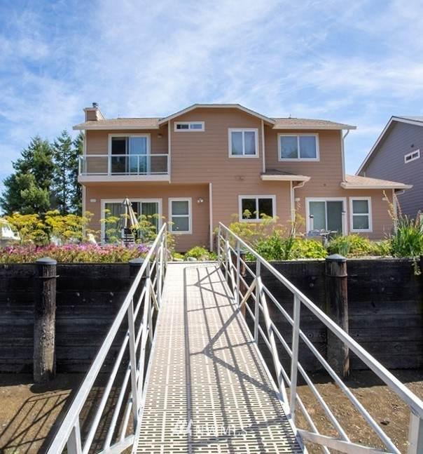 493 N Beach Drive, Port Ludlow, WA 98365 (#1792501) :: Ben Kinney Real Estate Team