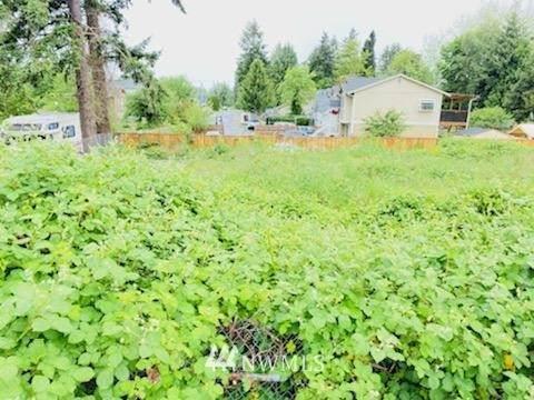 801 S 97th Street, Tacoma, WA 98444 (#1793715) :: Simmi Real Estate