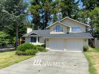 30300 24th Place S, Federal Way, WA 98003 (#1793736) :: Shook Home Group