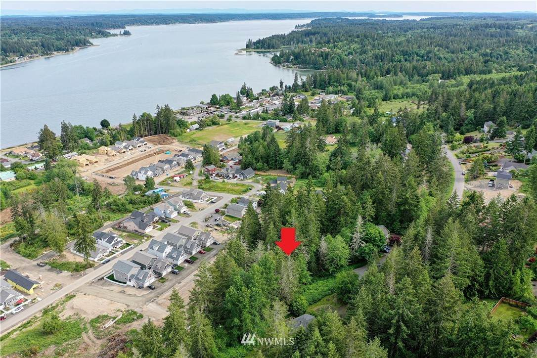 210 Allynview Drive - Photo 1