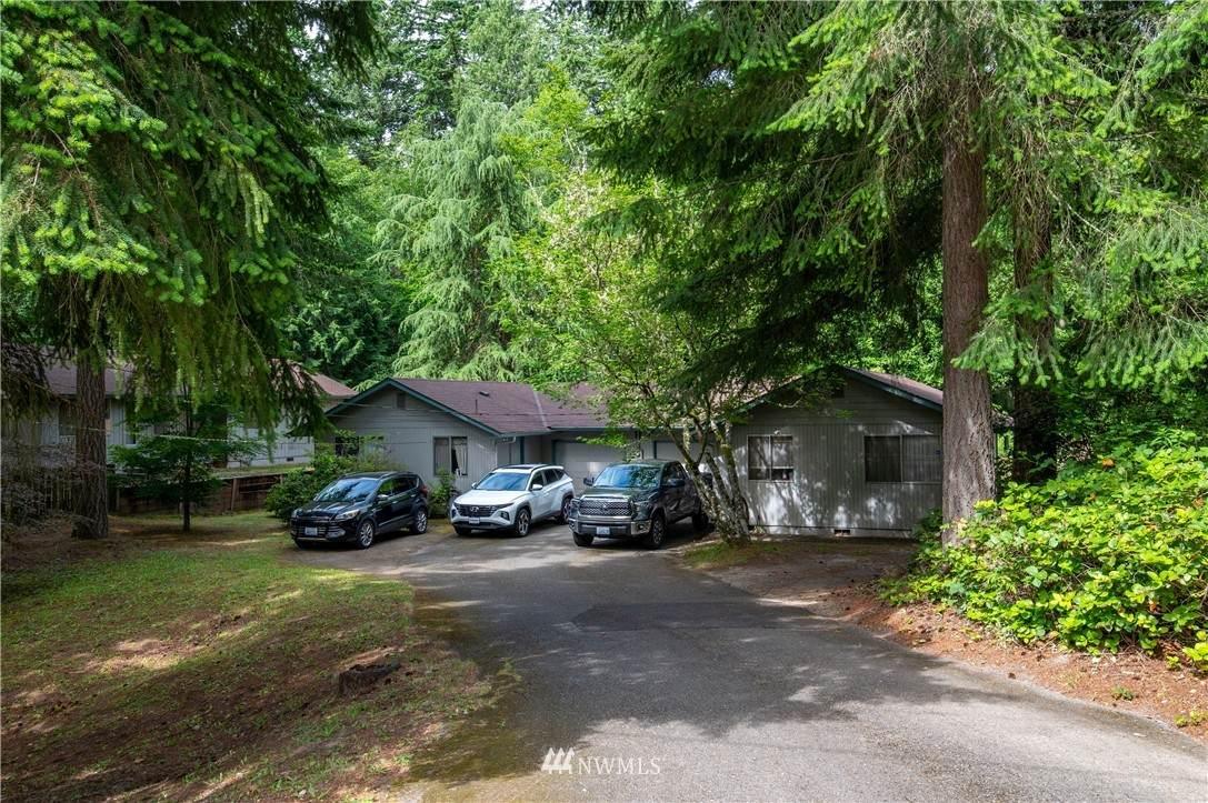 4433 Pine Avenue - Photo 1