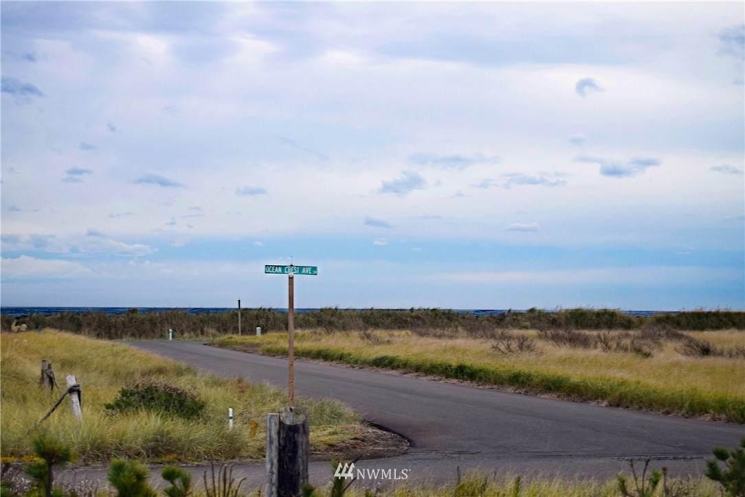 1434 Ocean Crest Avenue - Photo 1