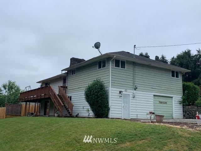 2412 N Greeley Drive, Kelso, WA 98626 (#1802198) :: Pickett Street Properties