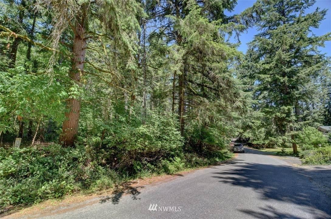 7632 Redstart Drive - Photo 1