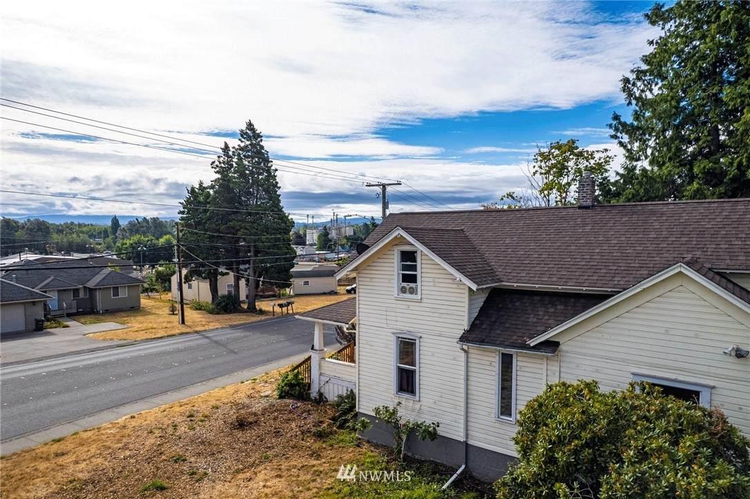 5849 Vista Drive - Photo 1